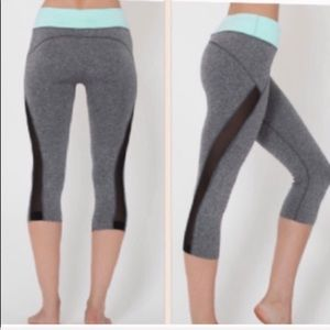 NWT Gray/Mint Green Waist Band Work Out Capris